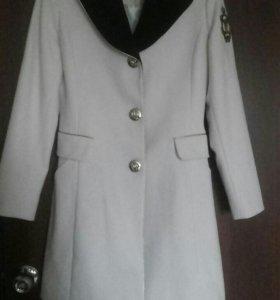 Пальто кашемировое MOSCHINO