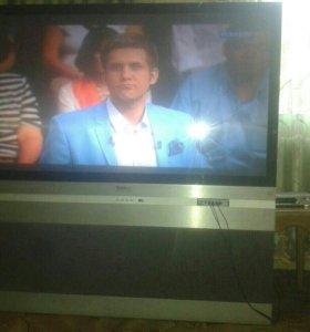 Телевизор огромный