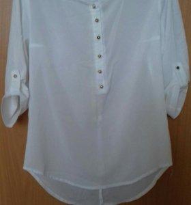 Блузка белая в хорошем состоянии