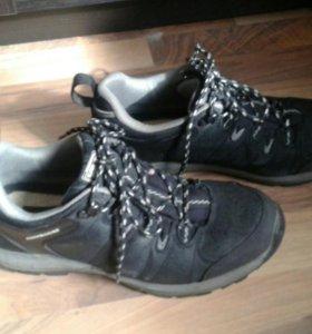 Зимние кроссовки 39