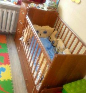 Детская кровать трансформер с маятником.