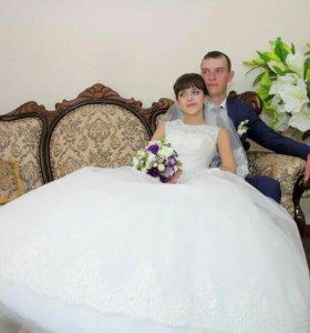 Свадебное платье + перчатки и подъюбник