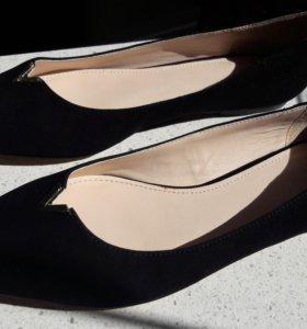 Замшевые туфли без каблука