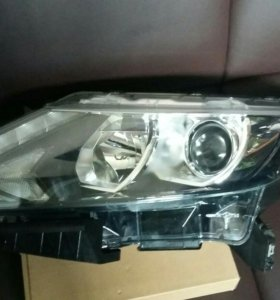Фара левая для Nissan Qashqai J11