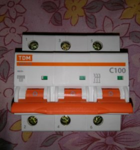 Автомат на 380 Вольт 100 Ампер