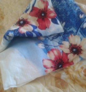 Подушка в кроватку или коляску