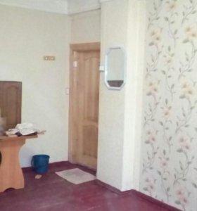 Продам комнату в 3-к квартире.