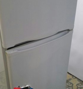 Холодильник Stinol 242
