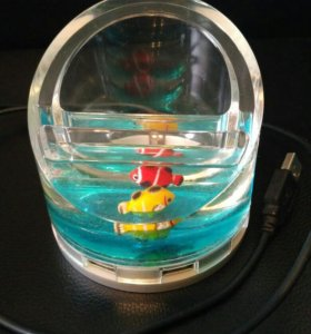 Жидкий хаб (разветвитель) с рыбками
