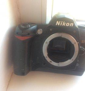Продаётся зеркальный фотоаппарат Nikon d70s