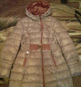Куртка пальто, есть ремень, практически новая.