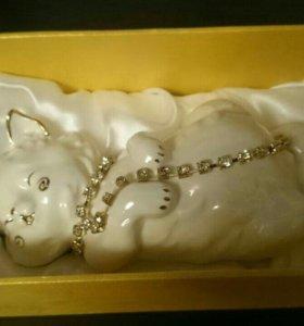 Фигурка (статуэтка) кошечка с цепочкой - фарфор