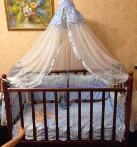 кроватка с комплектом