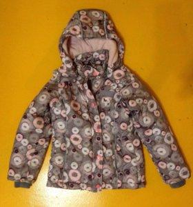 Демисезонная куртка на девочку, размер 122,