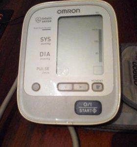 Автоматический тонометр OMRON на плечо