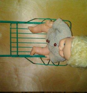 Саночки с куклой