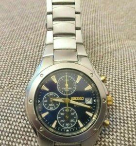 SEIKO 7T92  chronograph