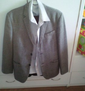Пиджак ,рубашка двое брюк