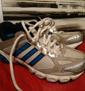 Кроссовки Adidas 34