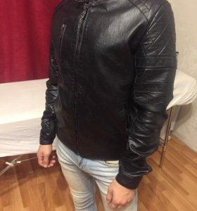 Новая мужская куртка S-M