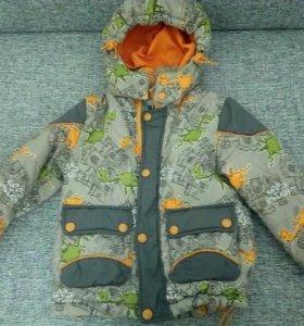 Куртки осенние на мальчика. 92 и 98 размер