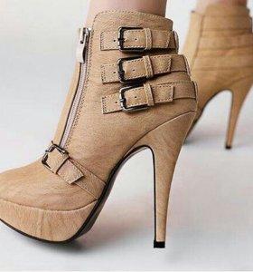 Ботинки новые, 39 размер