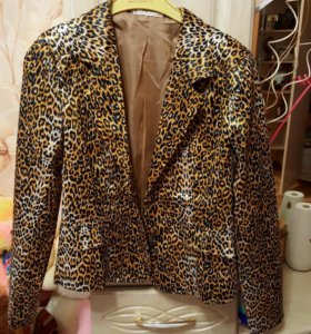 2 новых пиджака