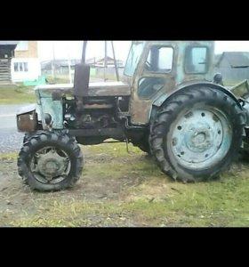 Трактор с прицепом.