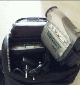 Цифровая видеокамера JVC GR-D240E