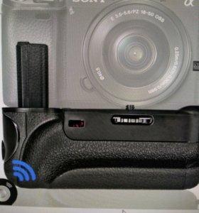 Батарейный блок для Sony Alfa 6000.