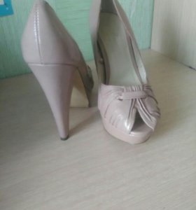 Продам туфли 39-39,5 размер