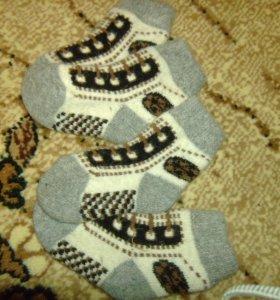 Вязаные носочки из ангорки