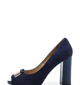 Новые кожаные туфли Julia Grossi