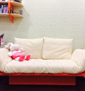 Детская мебель (Полка,тумба длинная,комод,диван)