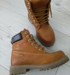 Новые кожаные ботинки 36 - 37