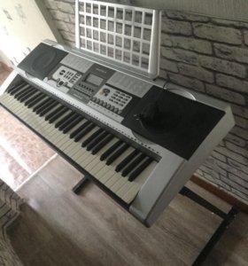 Синтезатор Supra + подставка