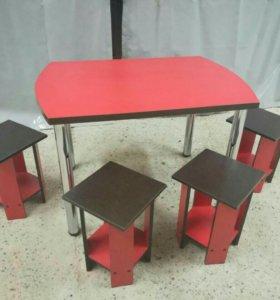 Стол и 4 табурета.