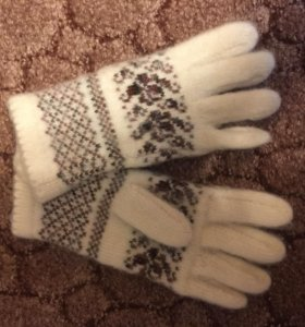 Новые шерстяные перчатки