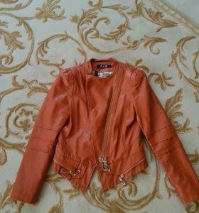 Куртка женская эко кожа размер s