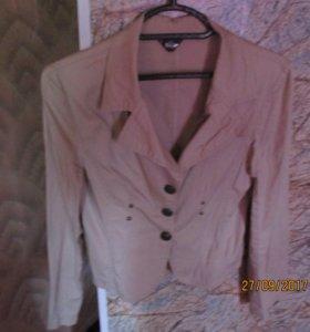 Продам стильный кремовый пиджак
