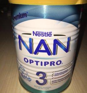 Смесь NAN 3 400 грамм новая упаковка