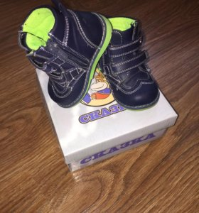 Демисезонные ботиночки р-р 20