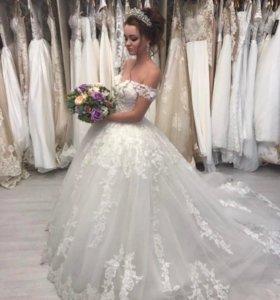 Потрясающее свадебного платье