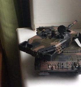 "Модель танка ,,Леопард"""