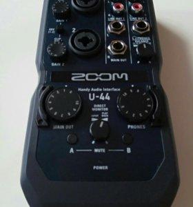 Звуковая карта Zoom U - 44