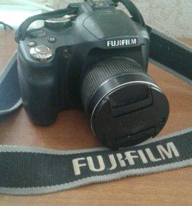 Полупрофессиональный фотоаппарат FUJIFILM