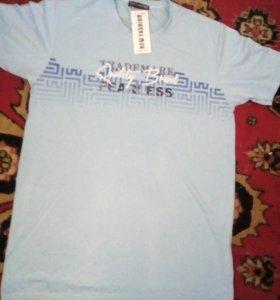 Продам мужскую футболку