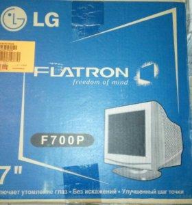Монитор LG Flatron F700P