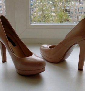 Туфли на устойчивом каблуке от DolcheVita