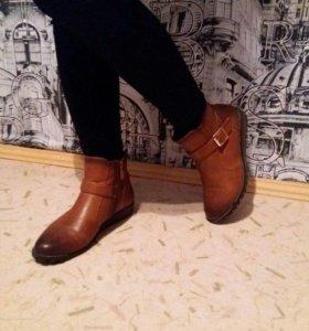 ботинки - полусапожки 38 размер